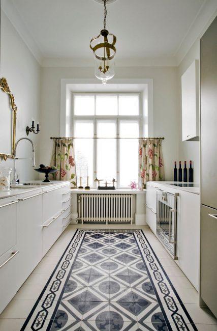 Светлые тона делают кухню просторней