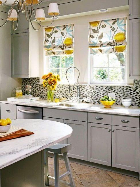 Кухонные занавески могут легко складываться