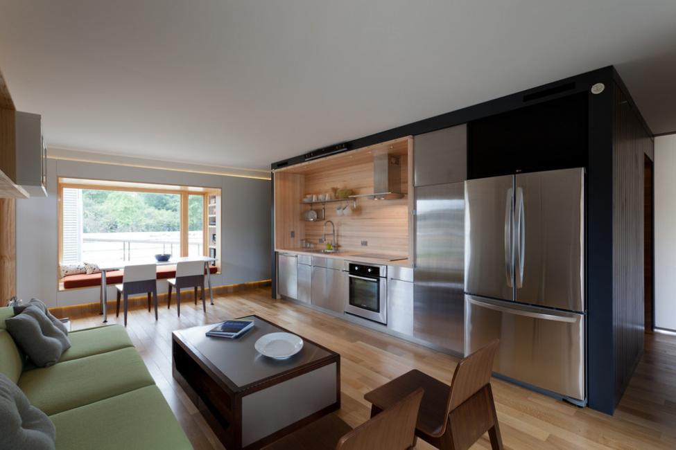 Изюминкой просторной кухни станет вид из окна