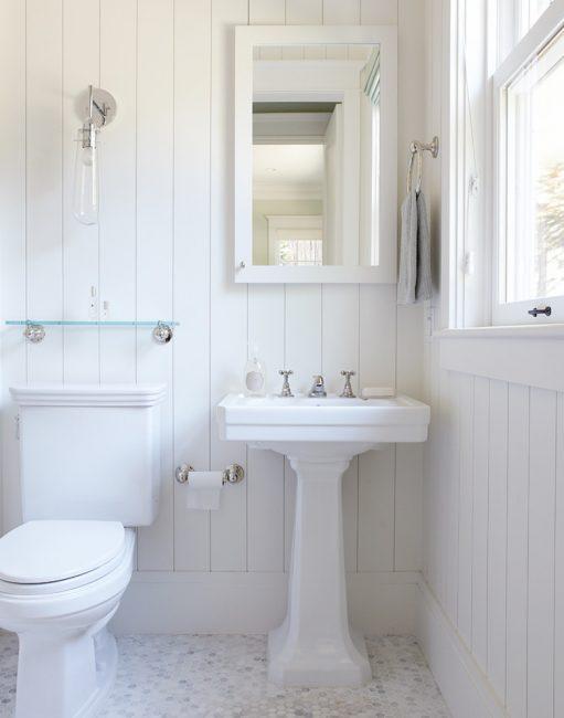 Белый цвет делает комнату просторней