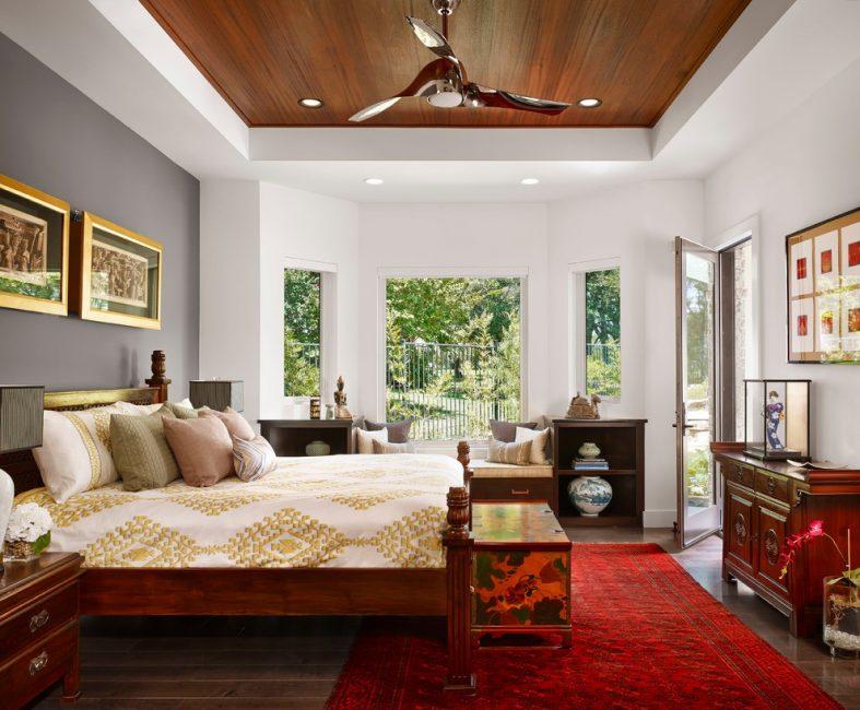 Гипсокартон очень легко гнется, превращая потолок в интересную композицию
