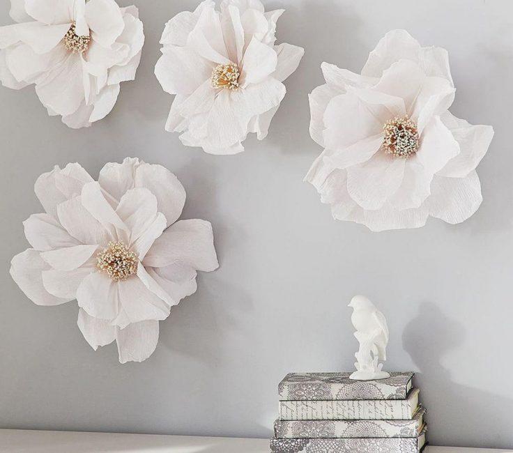 Набор белых цветов для декора