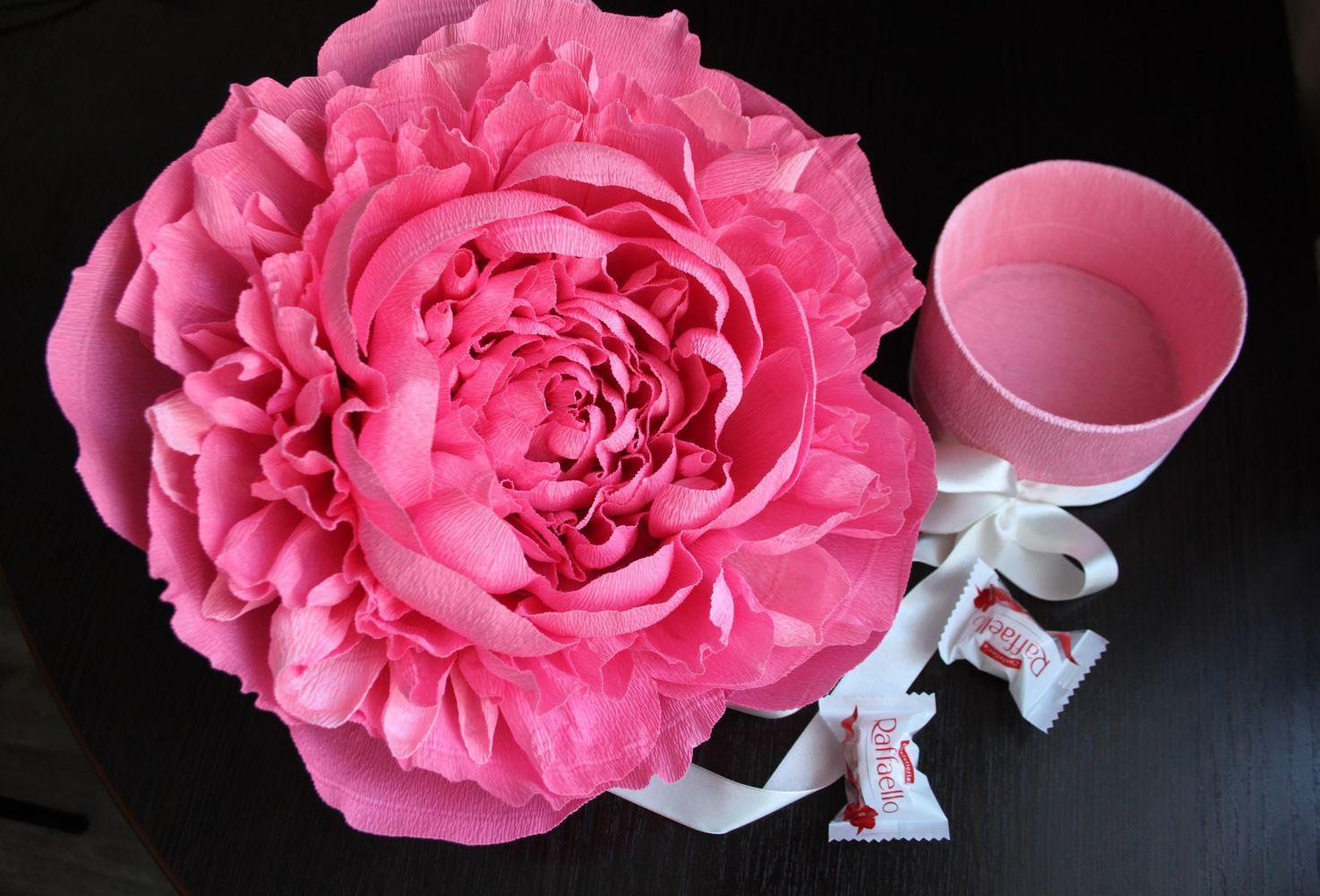 Бумажные цветы с конфетами своими руками из бумаги фото 793