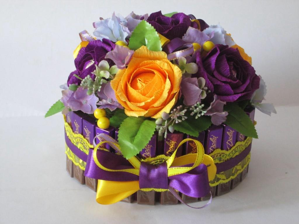 Сделать цветы из крепированной бумаги своими руками фото 2