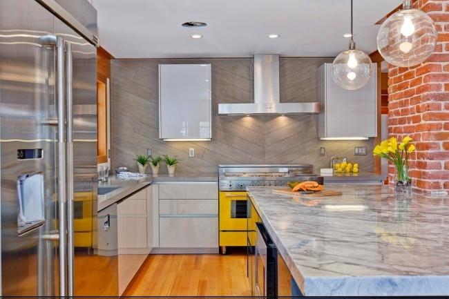 Увеличение кухни за счет гостиной