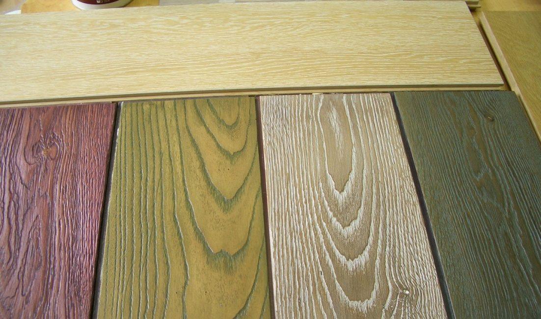 Для обработки дерева подходят практически все краски