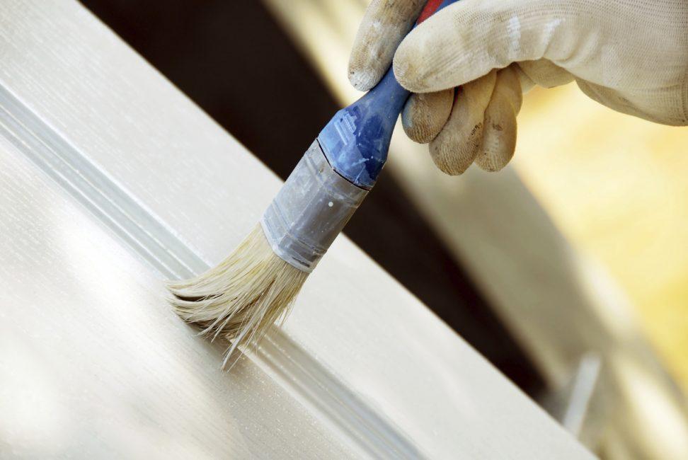 Используйте акриловую краску для удобной покраски мебели