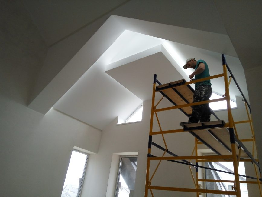 Освещение проектируется на этапе ремонта или строительства