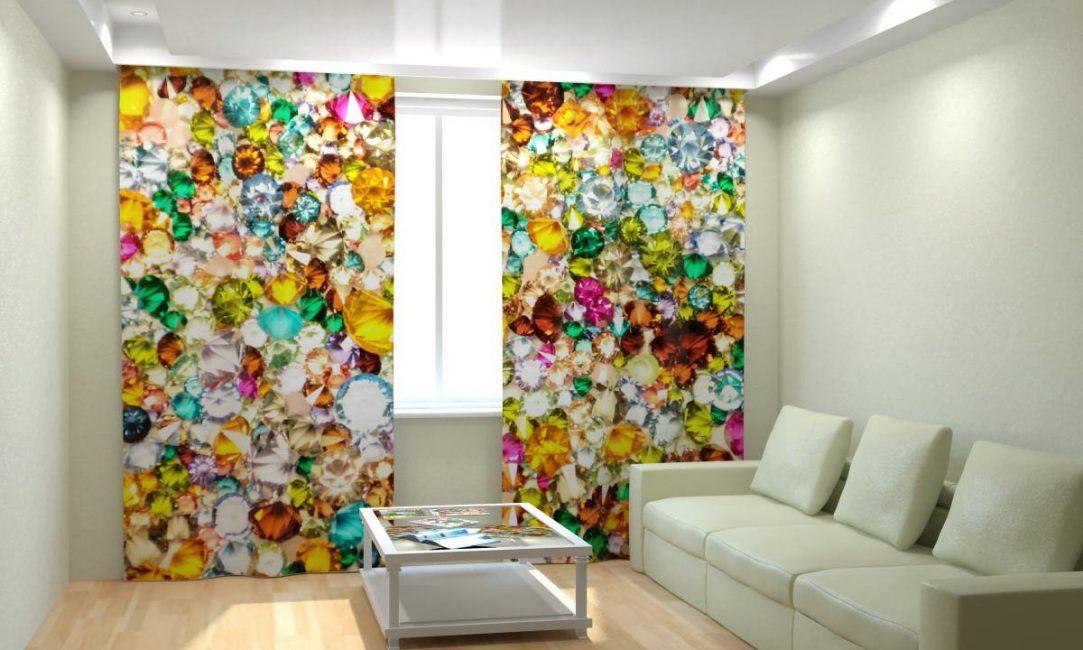 Яркие шторы для пастельной комнаты