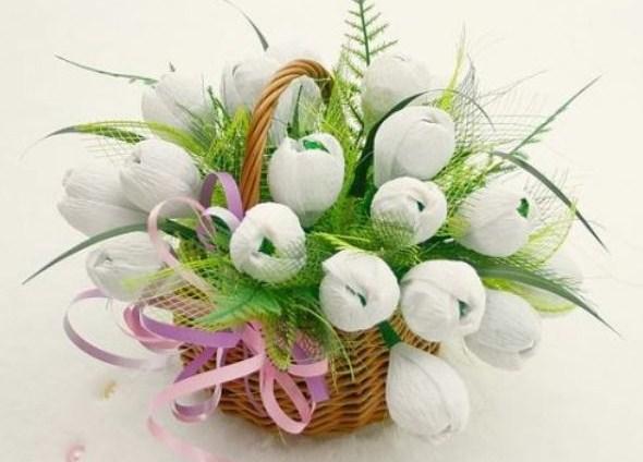 cvety-iz-bumagi-09-1 Цветы из гофрированной бумаги своими руками и конфет