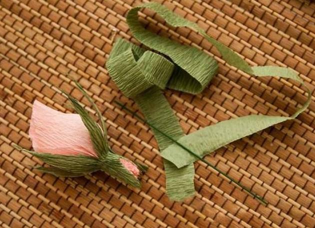 cvety-iz-bumagi-12 Цветы из гофрированной бумаги своими руками и конфет