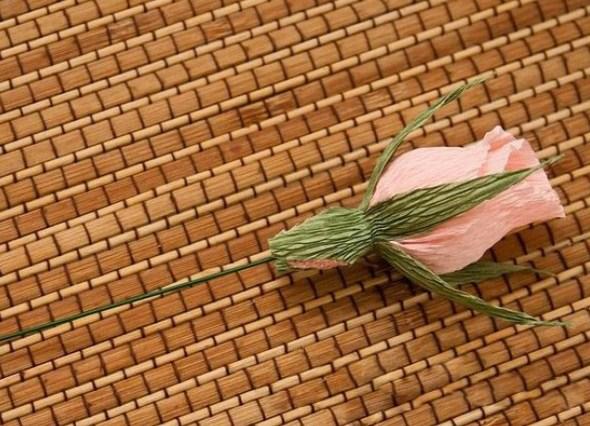 cvety-iz-bumagi-13 Цветы из гофрированной бумаги своими руками и конфет