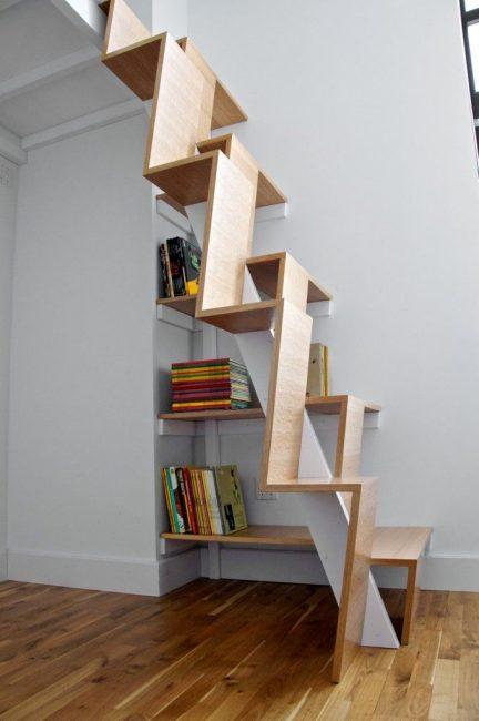 Лестница-книжная полка — практично и функционально