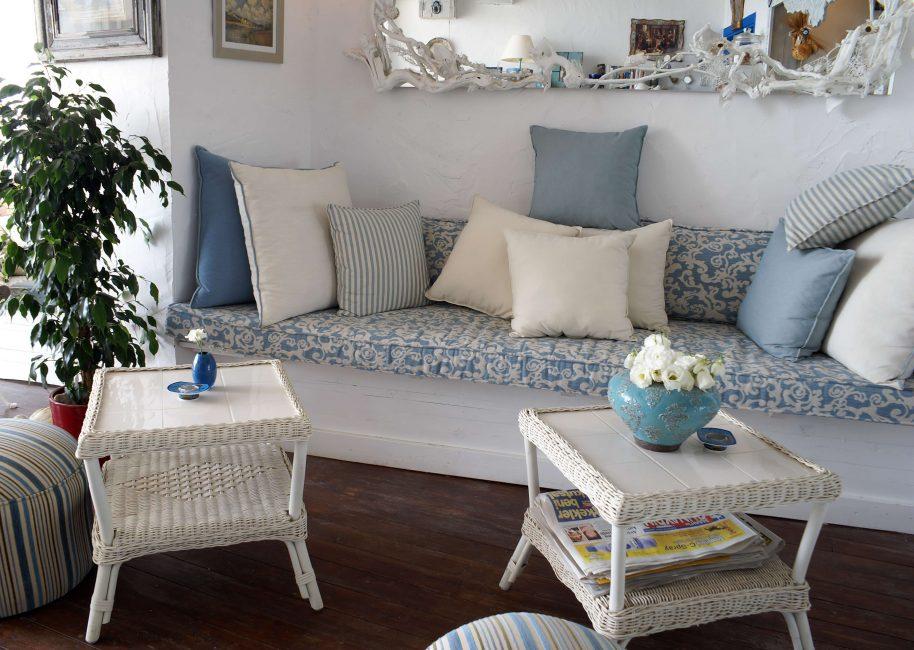 Легкий прованс в гостиной