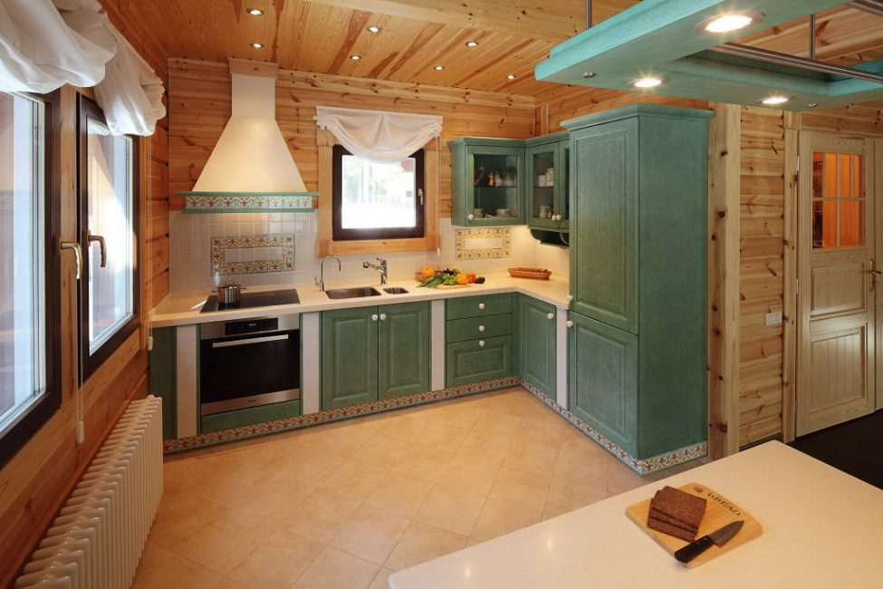 Теплый зеленый цвет кухни