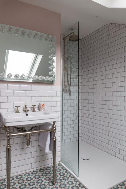 Отказавшись от ванны, можно получить больше пространства