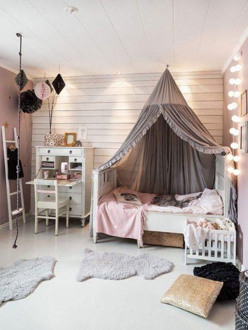 Кроватка колыбель не обязательно может использоваться для очень маленьких деток