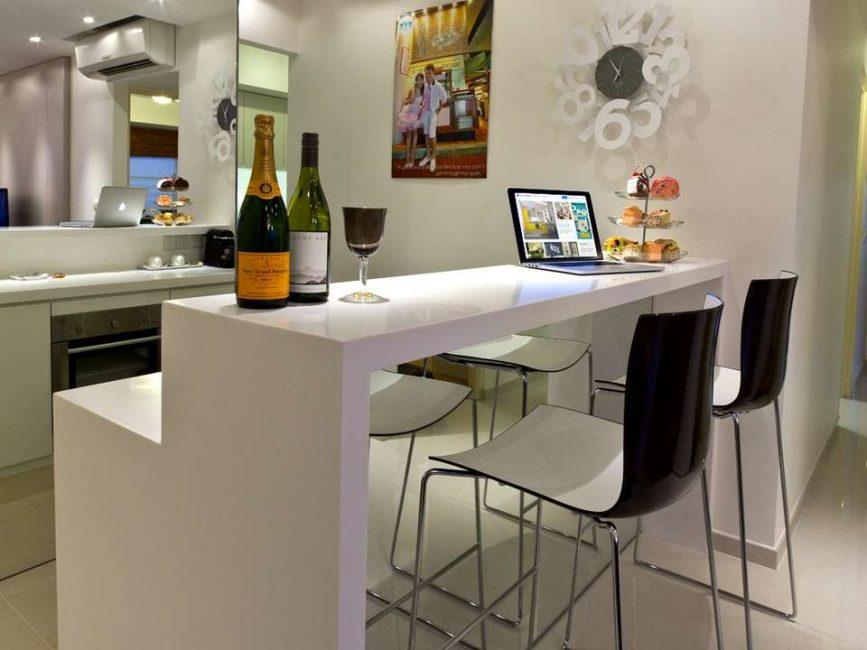 Хороший вариант для совмещенной гостиной с кухней