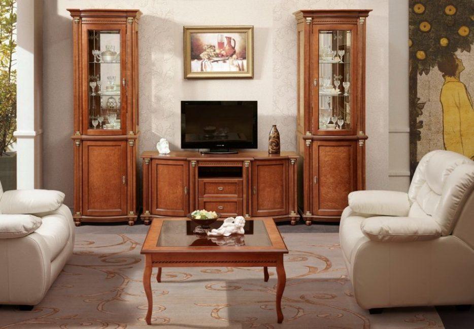 Вроде и мебели много, но так хорошо обыграно пространство в комнате