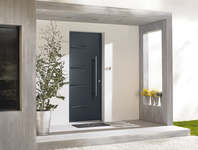 Современная входная металлическая дверь в дом. От выбора дизайна до отделки + 175 ФОТО