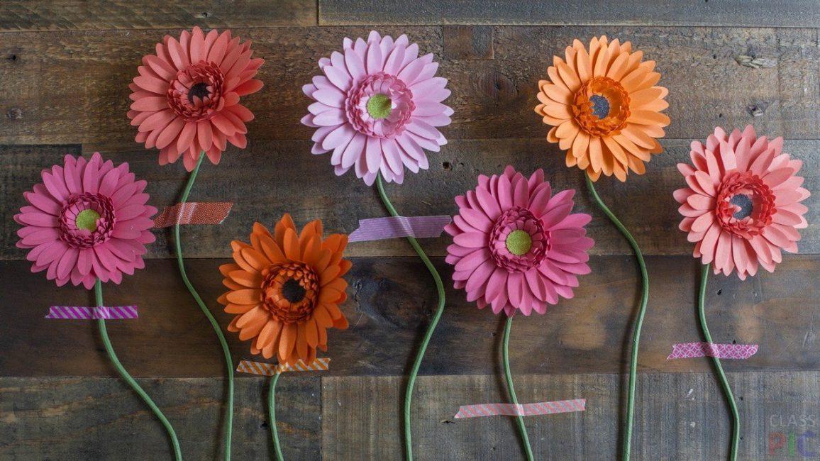 Красивый интерьер с помощью цветов