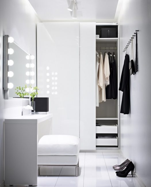 Белый цвет визуально расширит любое пространство