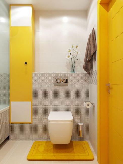 Красивый горчичный цвет ванной комнаты