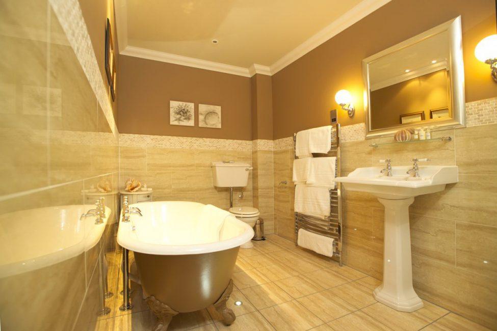 Просторная и уютная ванная
