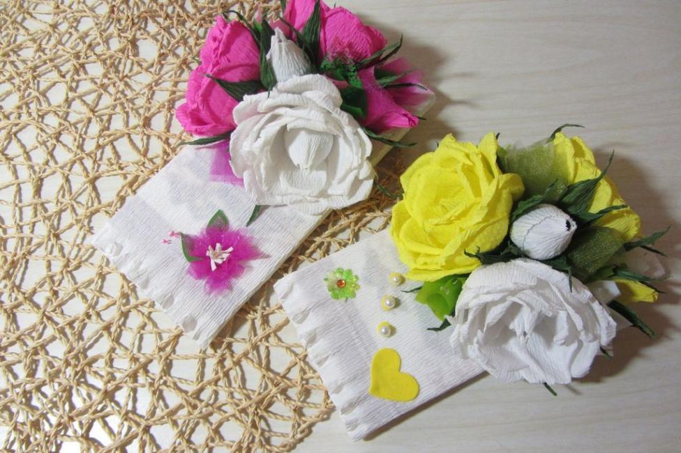 Цветочный подарочный конверт