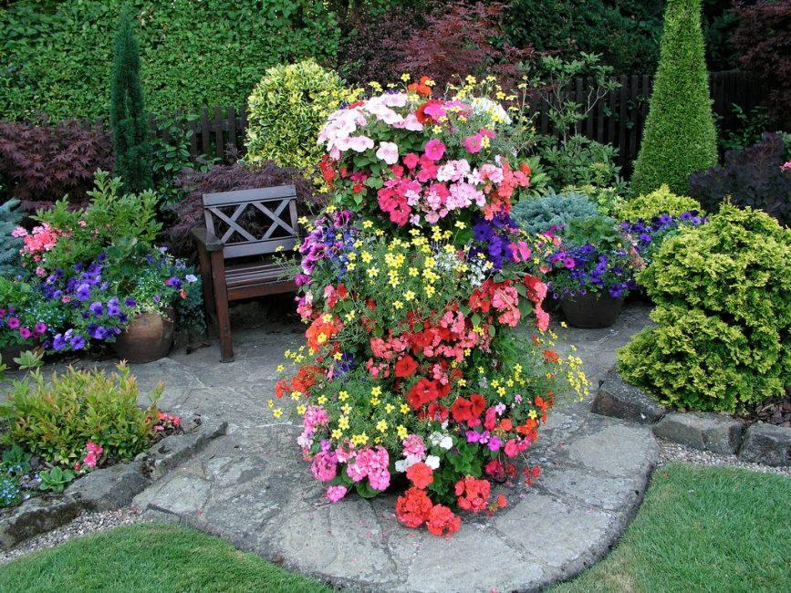 Вертикальная клуба для создания цветника