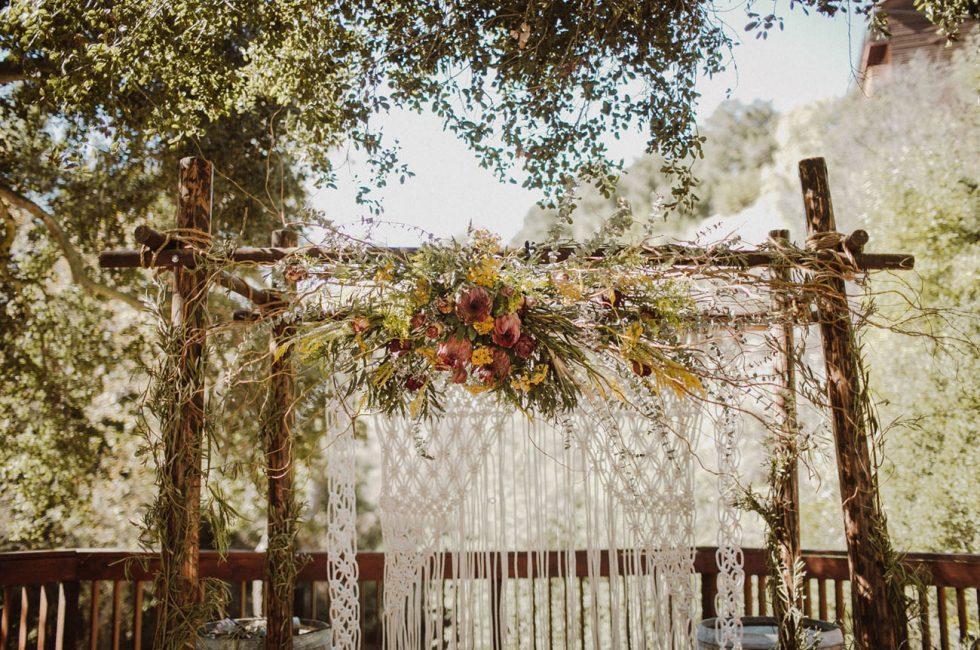 Для винтажной свадьбы лучше всего подойдут мягкие, приглушённые, пастельные оттенки