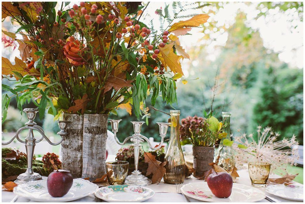 Осенью разнообразие цветов можно разбавить фруктами