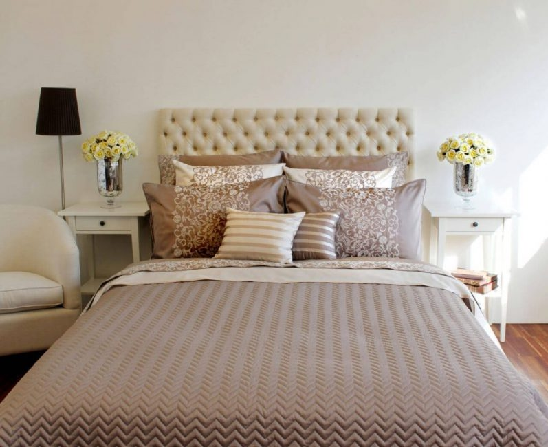 Подобранный под кровать плед сделает интерьер гармоничным