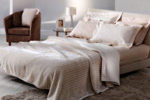 Покрывало на кровать в спальню: Современный дизайн (+170 Фото). Красивые и стильные новинки
