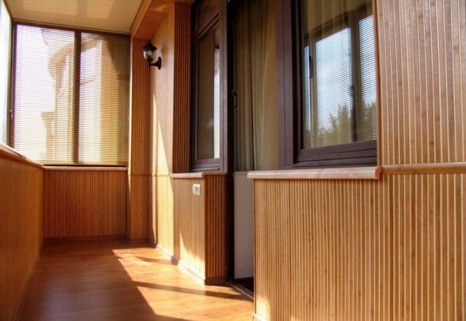 Самый востребованный материал для отделки балкона