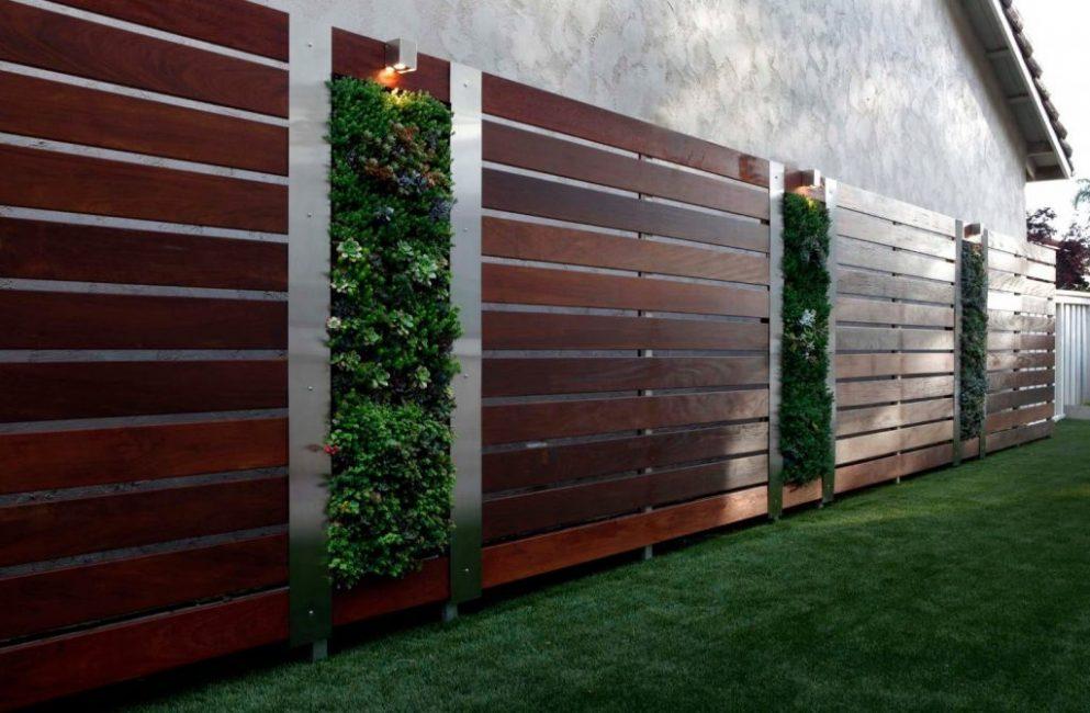 Забор как украшение территории