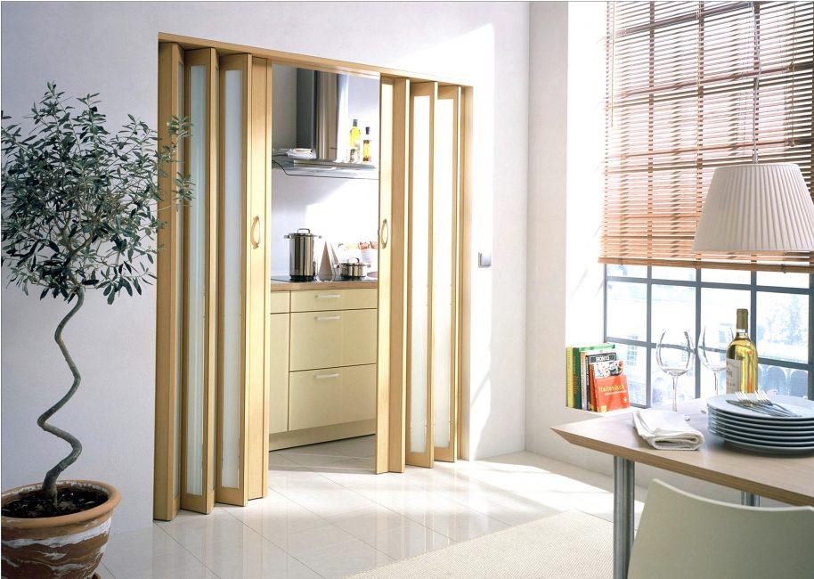 Раздвижные конструкции вместо двери