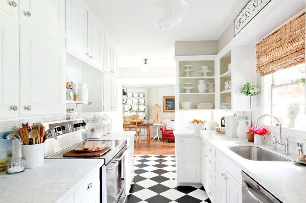 Шахматная черно-белая плитка - способна преобразить любой интерьер