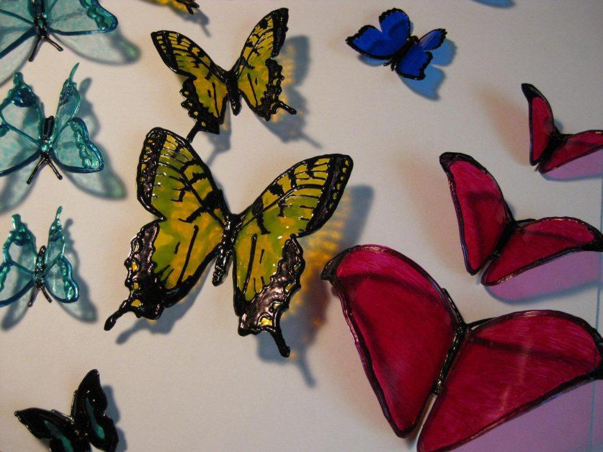 Бабочки для украшения участка