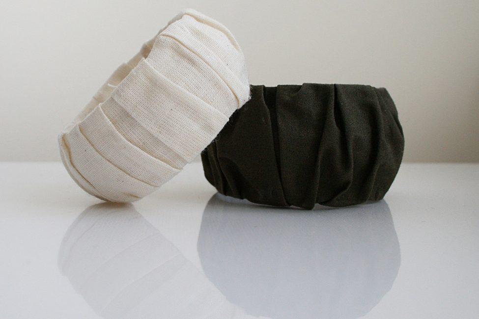 Декорируйте различными материалами с помощью клейкой ленты