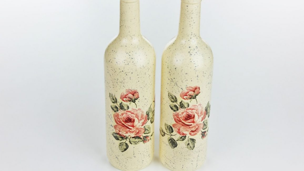 Декупаж бутылки рисунком с розами
