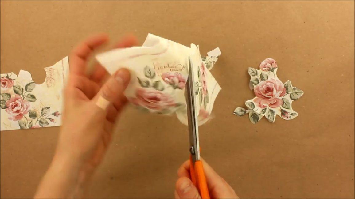 """Рисунок можно вырезать ножницами или использовать вариант """"ручного вырывания"""""""