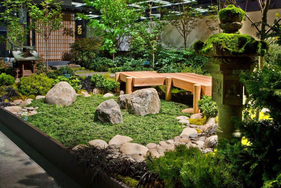Камень японцы считают высшим творением природы