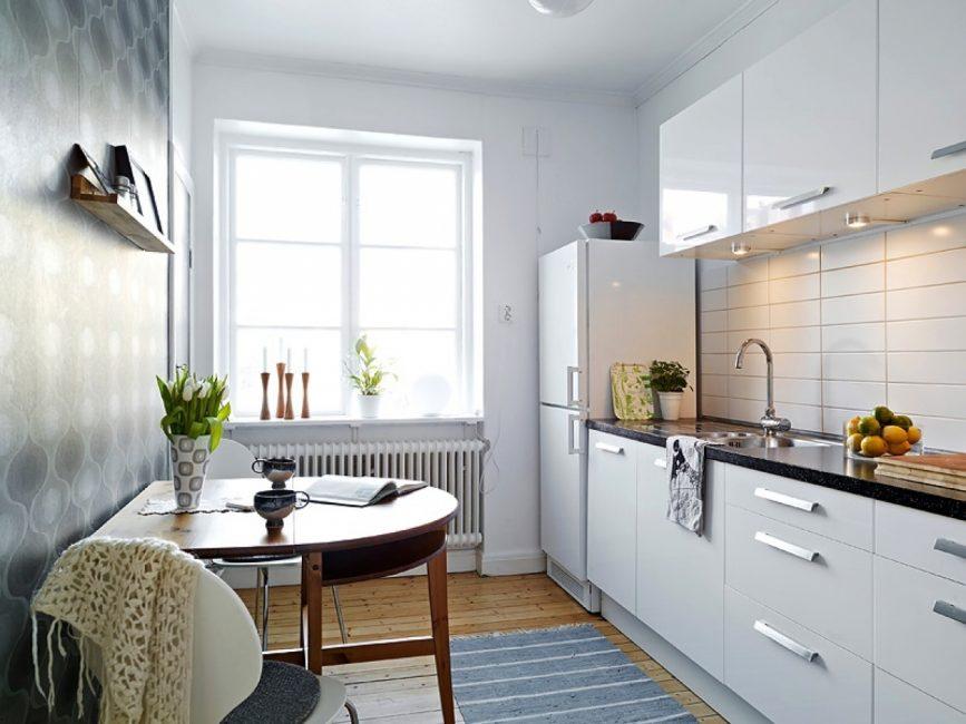 Чем больше света, тем просторней кажется кухня