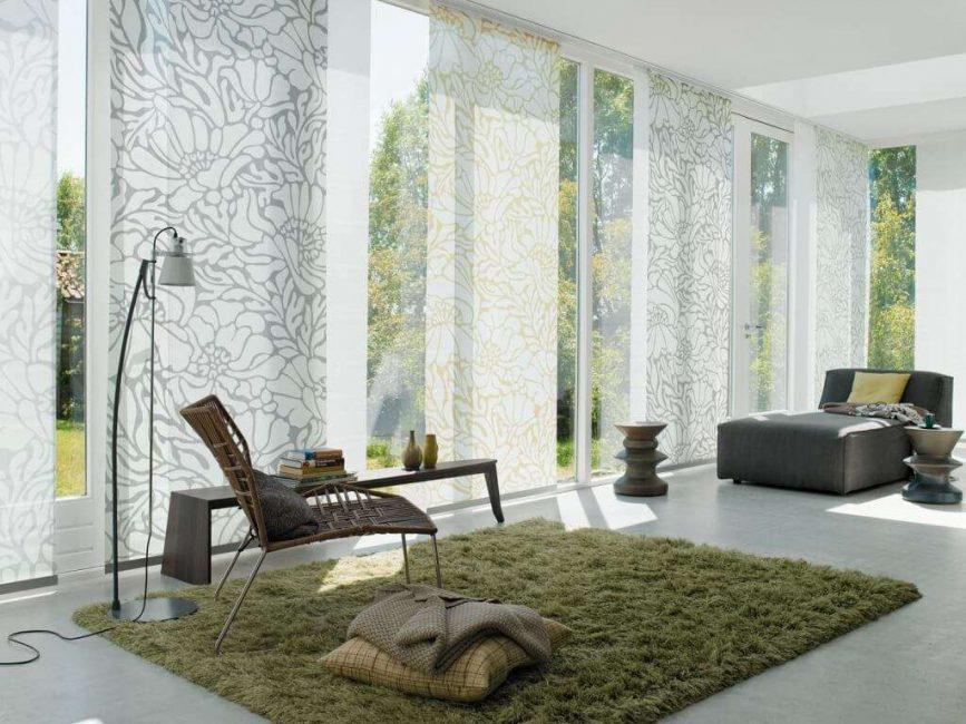 Прозрачные шторы на большие окна