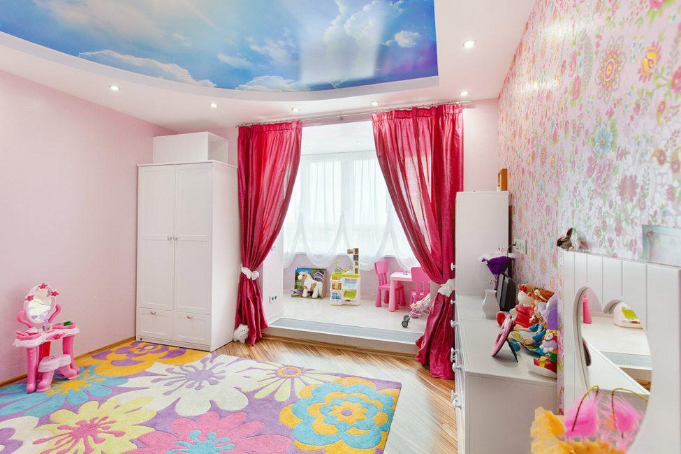 idei-dekora-detskoj-shtorami-105-975x650 Шторы для детской комнаты девочек (77 фото): идеи готовых занавесок и тюли в спальню до подоконника