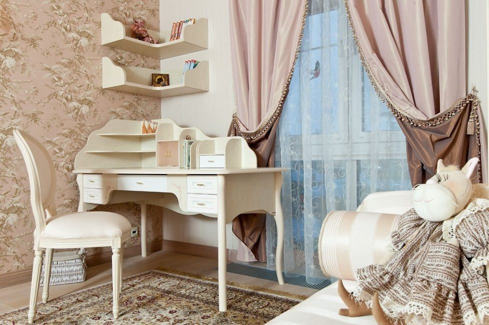 idei-dekora-detskoj-shtorami-139-977x650 Шторы для детской комнаты девочек (77 фото): идеи готовых занавесок и тюли в спальню до подоконника