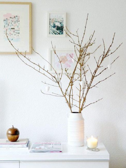 Ветки в вазе добавят уникальности вашему интерьеру