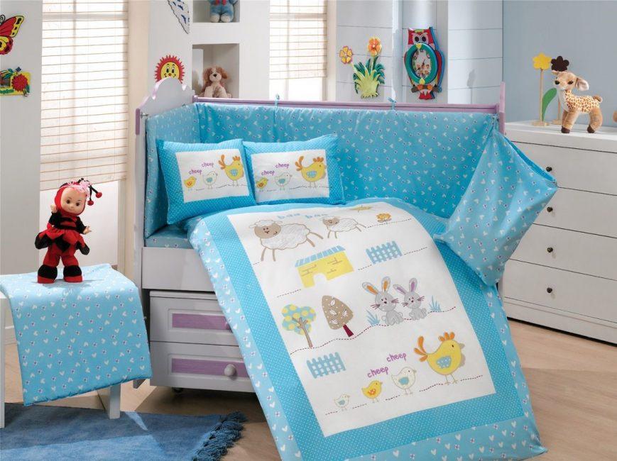 Голубое белье для активных деток