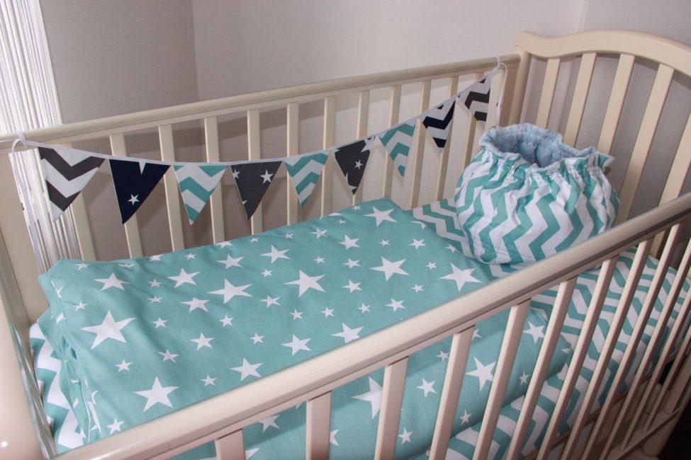 Комплект постельного для новорожденного